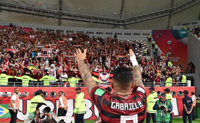 Flamengov napadalec Gabriel Barbosa (Gabigol) je spoznaval značilnosti evropskega nogometa v majici Interja. Brazilci imajo v Katarju odlično podporo rojakov. FOTO: AFP