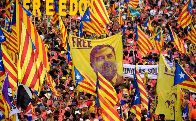Danes zjutraj je sodišče EU v Luksemburgu odločilo, da zaprtemu katalonskemu evroposlancu Oriolu Junquerasu pripada imuniteta. Foto: AFP