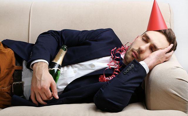 Medtem ko mnogi pitje vode na zabavi z gnusom zavračajo, so naslednji dan hvaležni za vsak požirek. FOTO: Shutterstock