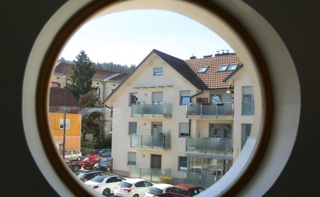 Stanovanja v Ljubljani so za številne (ne le mlade) že leta nedosegljive sanje. Foto: Leon Vidic