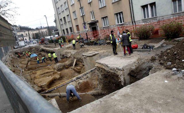 Na Erjavčevi arheologi niso našli tako bogatih izkopanin kot na Gosposvetski. FOTO: Mavric Pivk/Delo