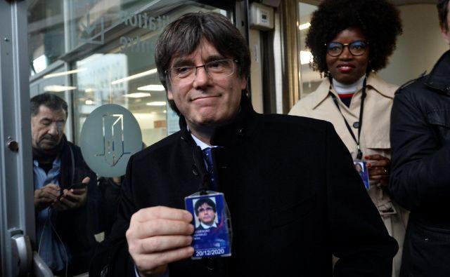 Nekdanji katalonski voditelj Carles Puigdemont živi v Belgiji. V primeru vrnitve v Španijo, ga čaka aretacija. FOTO: Johanna Geron/Reuters
