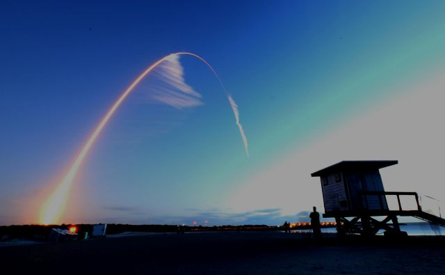 Boeing CST-100 Starliner je v nebo poletel na raketi ULA Atlas V. FOTO: Joseph Rimkus/Reuters
