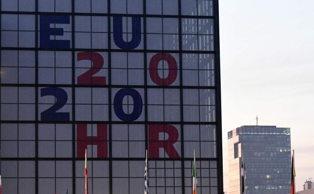 Hrvaška dodano vrednost predsedovanja vidi pri tlakovanju poti balkanskih držav proti EU. Foto Denis Lovrovic/Afp