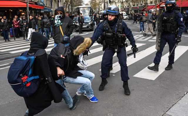 Del Francije se ne tudi med prazniki ne bo pomiril. FOTO Afp