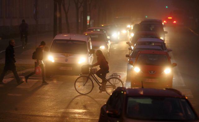 Pri določanju standardov za onesnaževanje zraka bi morale nacionalne okoljske agencije bolj upoštevati dokaze o vplivu onesnaževal na nevrološki razvoj. Foto Jože Suhadolnik