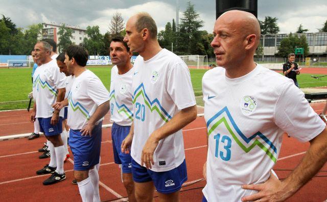 Mladen Rudonja (desno) je mož, ki v nogometnih krogih nima veliko sovražnikov, je prijeten in hvaležen sogovornik FOTO: Marko Feist/Delo