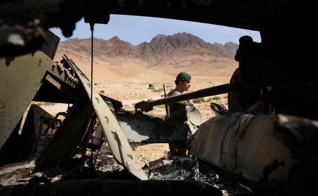 Talibani in ZDA nadaljujejo pogovore o končanju konflikta, ki jih je v septembru sicer prekinil ameriški predsednik Donald Trump. FOTO: Jure Eržen