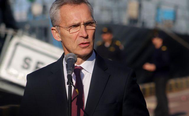 Generalni sekretar Nata Jens Stoltenberg verjame v dialog z Rusijo, »če je kontekst pravi«. FOTO: AFP