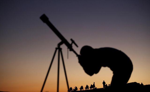 mag. Ivan Ketiš: Žal je naše nočno nebo zelo osvetljeno od umetne svetlobe, ki prihaja od množice nezasenčenih svetilk povsod po Sloveniji. Reuters