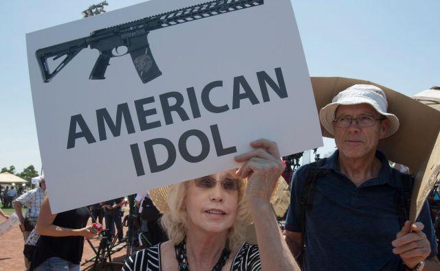 Število množičnih pobojev v ZDA narašča, čeprav se število umorov na splošno zmanjšuje. FOTO: Afp