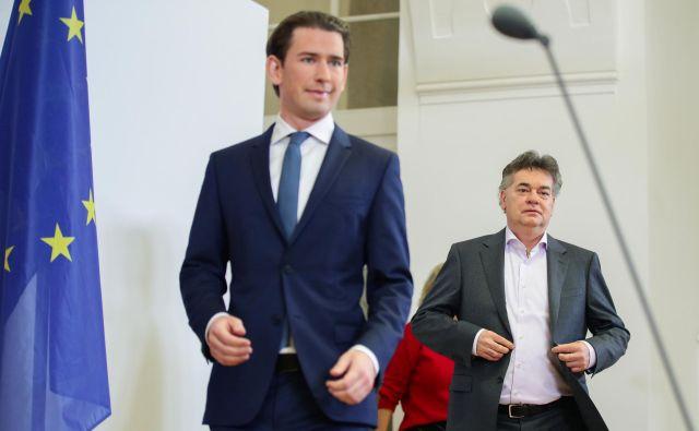Avstrija je na prvi dan novega leta dobila novo vlado, v kateri bosta združila moči vodja ljudske stranke Sebastian Kurz in vodja zelenih Werner Kogler. FOTO: Reuters