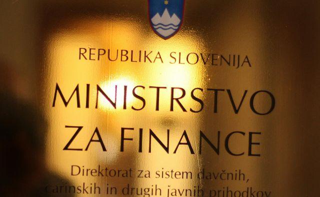 Prilivi iz dohodnine so se okrepili za 6,1 odstotka na nekaj manj kot 1,20 milijarde evrov. FOTO: Jure Eržen/Delo