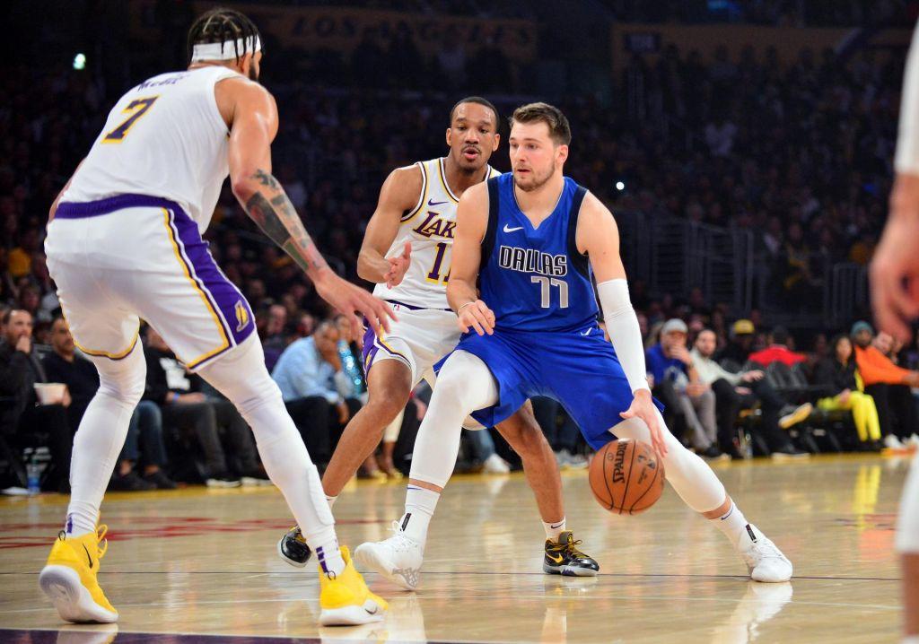 Stota tekma Dončića v NBA: Po padcu se je vrnil na parket bolečinam navkljub