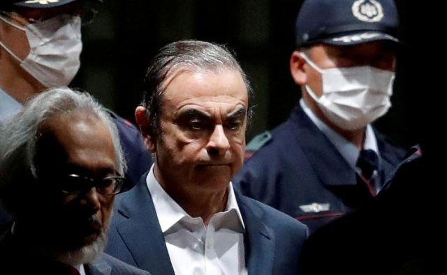 Carlos Ghosn aprila letos na sodišču. FOTO: Issei Kato/Reuters