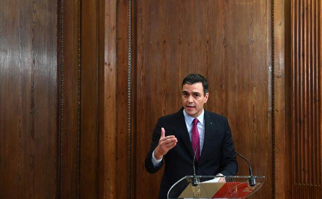 Sanchez za imenovanje na položaj premierja v prvem krogu glasovanja, ki bo predvidoma v nedeljo, potrebuje absolutno večino. FOTO: Gabriel Bouys/AFP