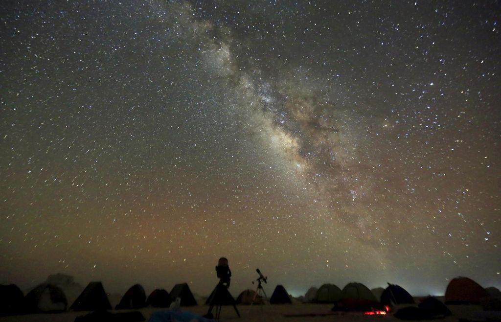 Nekaj zanimivosti na (nočnem) nebu leta 2020