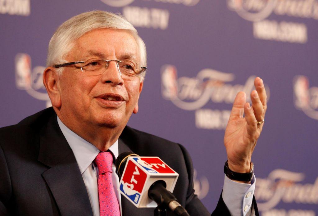 Umrl nekdanji komisar lige NBA