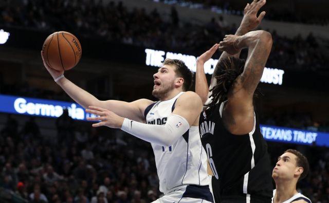 Pod taktirko Luke Dončića je Dallas serijo domačih tekem v NBA začel z zmago, v kateri je bil Ljubljančan najboljši posameznik v moštvu iz Teksasa. FOTO: USA Today Sports