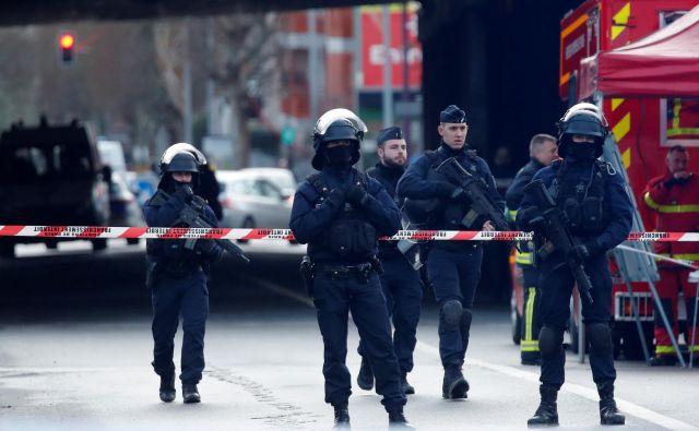 V zadnjih štirih letih so francosko prestolnico kar nekajkrat pretresli podobni napadi. FOTO: Charles Platiau/Reuters