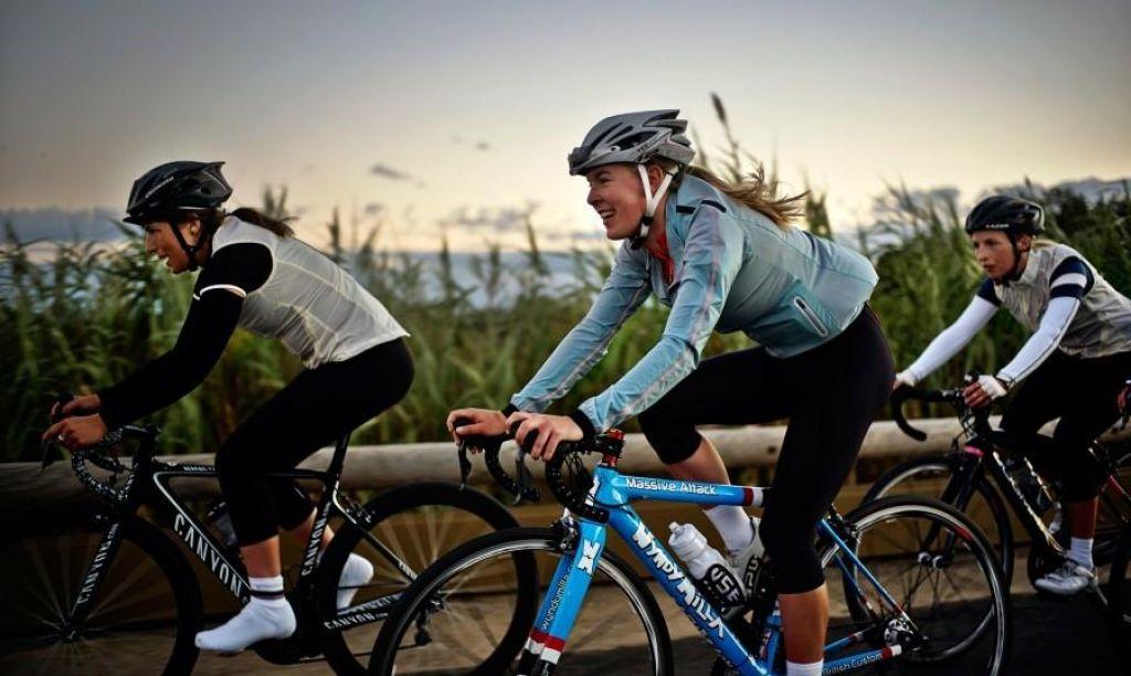 FOTO:Uživanje na kolesu prek meja