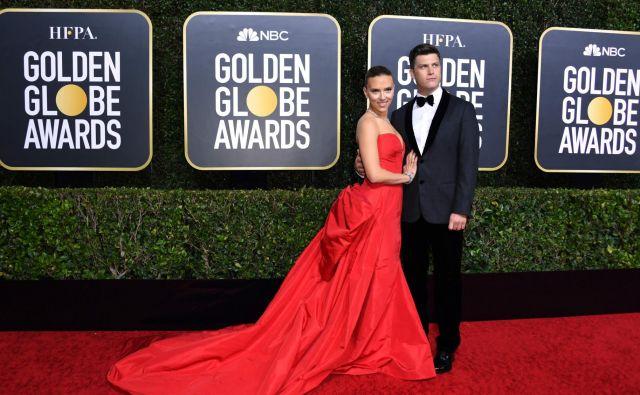 Igralka <strong>Scarlett Johansson </strong>z zaročencem in igralcem<strong> Colinom Jostom.</strong> FOTO:Valerie Macon/AFP