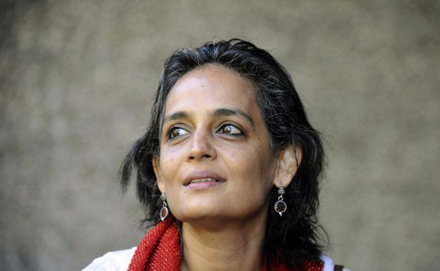 Drugi roman indijske pisateljice in aktivistke Artundhati Roy ni roman v klasičnem smislu, prej družbeni komentar v romaneskni obliki. Foto Reuters