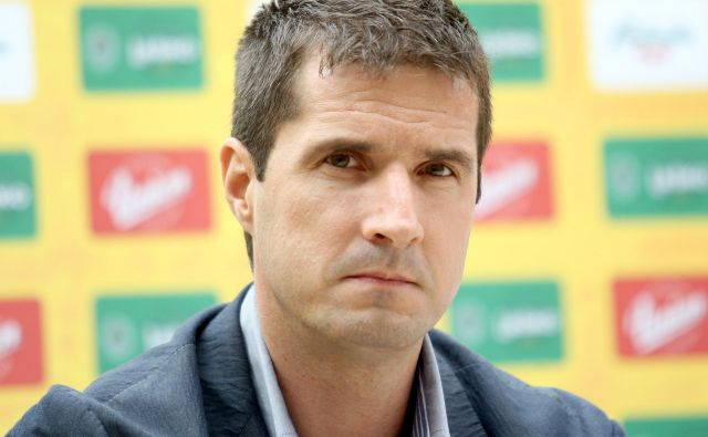 Roman Pungartnik je tretji najboljši strelec za Slovenijo s 679 goli.