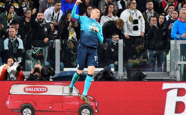 Josip Iličić je minulo leto končal z dvema goloma, novo je začel z dvema. Od mejnika sto golov v serie A ga loči le še 19 golov. FOTO: Reuters