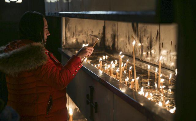 V ljubljanski pravoslavni cerkvi pravoslavni božič praznujejo z obredi na badnji dan, s polnočno liturgijo in z obredi na sam praznik. FOTO: Jože Suhadolnik/Delo