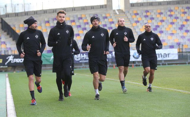 »Ni potrebe po okrepitvah, na voljo imamo 28 nogometašev. Igralski kader je treba zmanjšati,« je povedal športni direktor NK Maribor Zlatko Zahović. FOTO: Tadej Regent/Delo