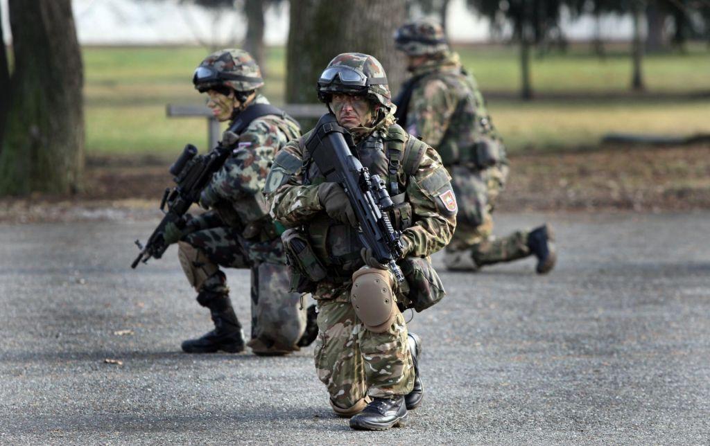 Naši vojaki v Iraku varni, a pripravljeni na umik