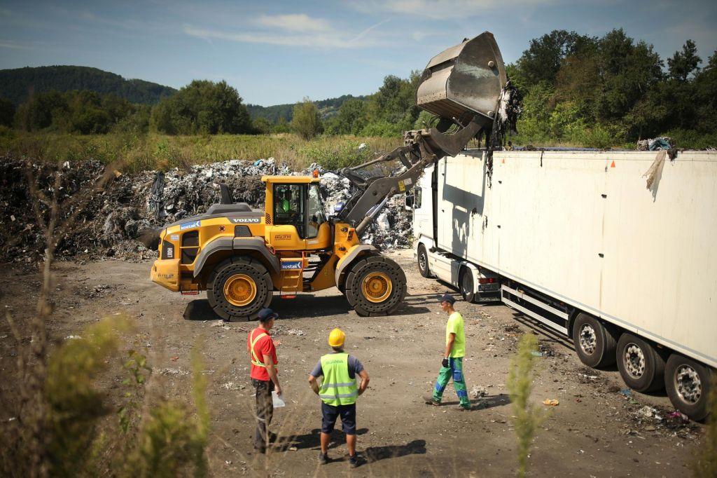 Na pogorišču Ekosistemov kljub »uspešni sanaciji« še 2000 ton odpadkov