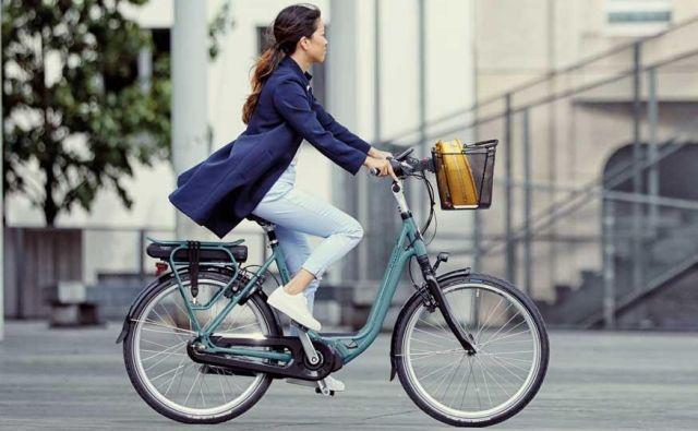 Električna kolesa različnih vrst se v Evropi in Sloveniji uveljavljajo mnogo hitreje kot električni avtomobili. Foto: Reuters
