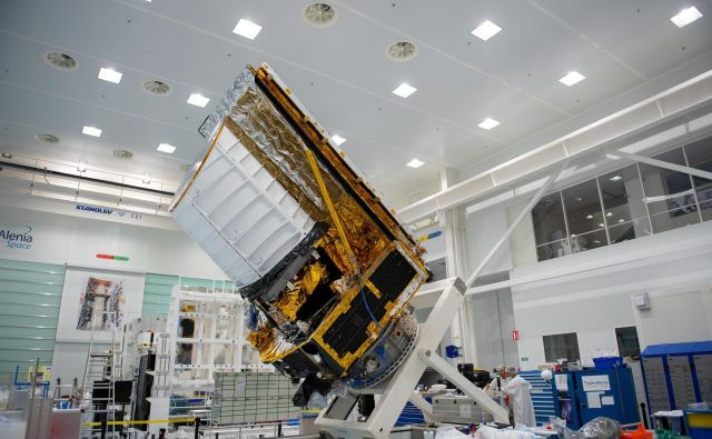 Satelit bo nameščen v točki L2. FOTO: Stephane Corvaja/Esa