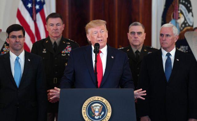 Ameriški predsednik Donald je Teheranu v primeru sodelovanja obljubil mir in blagostanje. Foto AFP