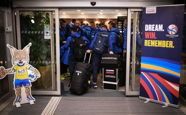 Slovenci so v hotel prispeli sinoči malo pred polnočjo. FOTO: Kolektiffimages