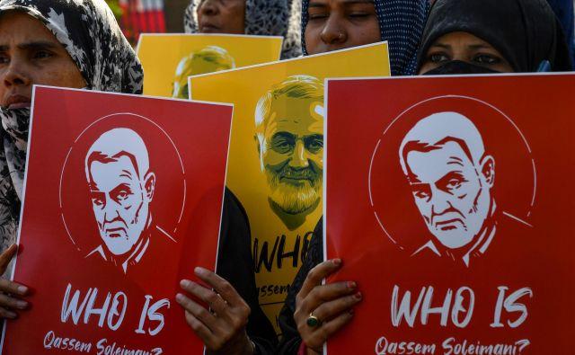Uboj iranskega generala Kasima Sulejmanija, ki so ga prejšnji konec tedna izvedle ZDA, je bil videti kot iskra, vržena v kup sena. FOTO: AFP