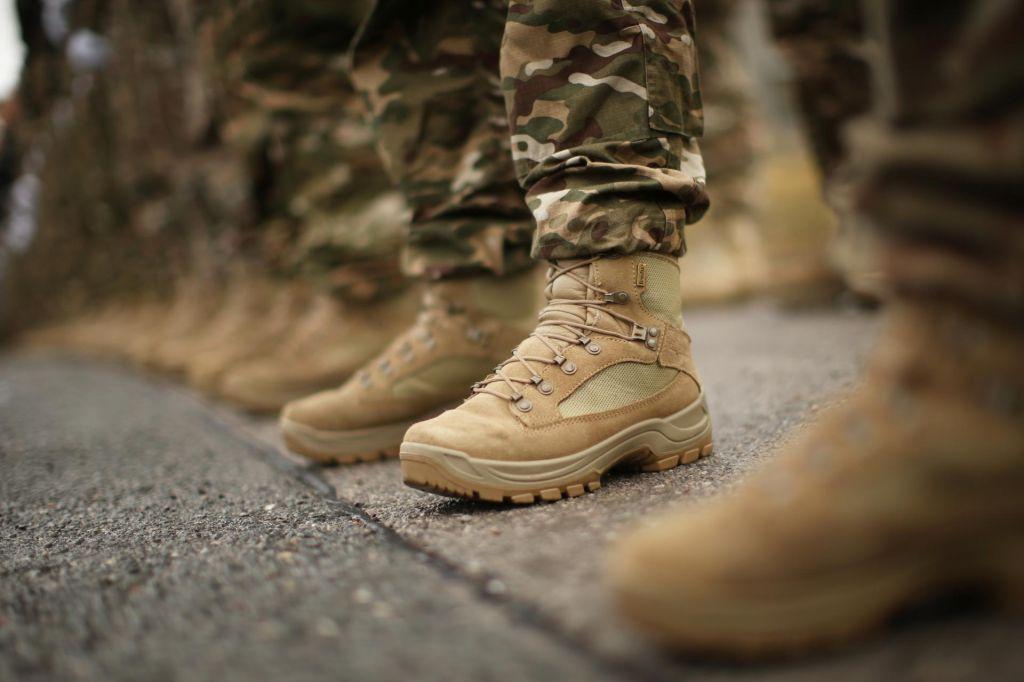 Slovenski vojaki nocoj še ne bodo zapustili Iraka