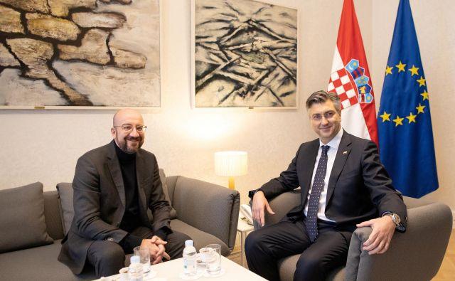 Na začetku predsedovanja EU sta se v Zagrebu srečala predsednik sveta EU Charles Michel in hrvaški premier Andrej Plenković. FOTO: Reuters