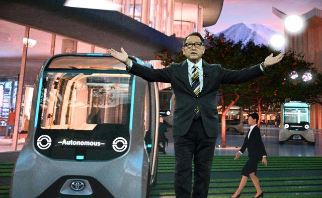 Toyotin predsednik in izvršni direktor Akio Toyoda je razkril načrt gradnje prototipa mesta prihodnosti, ki ga je opisal tudi kot živi laboratorij, v katerem naj bi bivalo in prihodnjo mobilnost razvijalo 2000 ljudi. FOTO: AFP