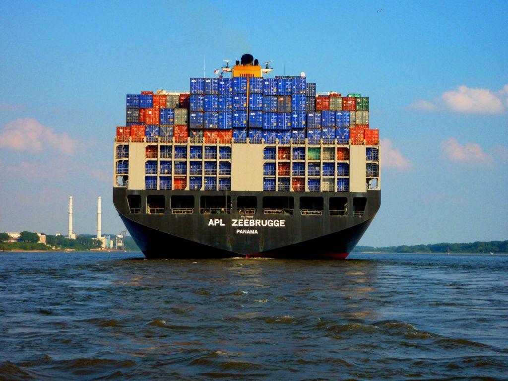 Izvoz in uvoz do konca novembra 2019 presegla 30 milijard evrov