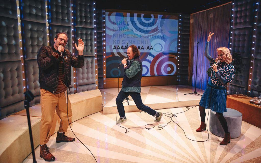 Namigi prireditev: Karaoke, Kosovirja na leteči žlici in Sedem vprašanj o sreči