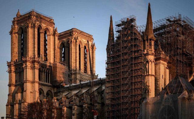 Katedrala je delno zgorela 15. aprila lani. FOTO:Philippe Lopez/AFP