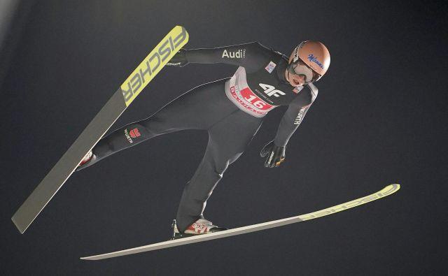 Nemški smučarski skakalec Karl Geiger je bil minuli konec tedna razred zase v Predazzu. FOTO: AFP