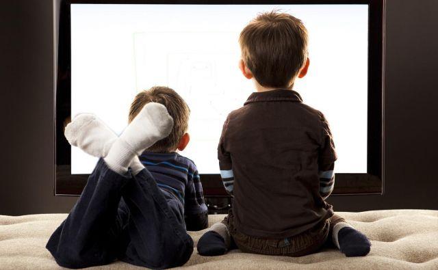 Najpomembneje je, da so starši otrokovi medijski mentorji.Foto: Shutterstock