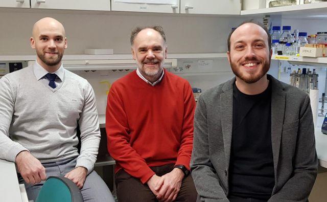 Na sliki je ekipa, ki bo izvajala projekt ERC PoC CCedit, Tomaž Bizjak, Roman Jerala in Duško Lainšček. FOTO: Kemijski Inštitut
