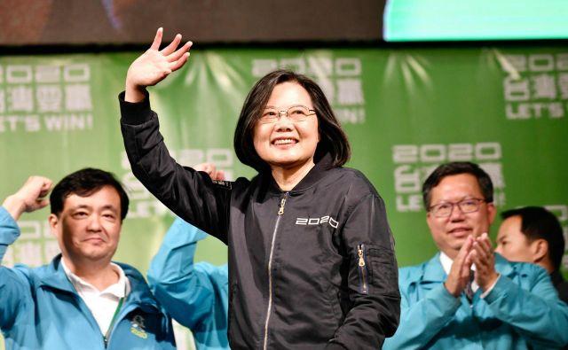 Z več kot 57 odstotki glasov je 63-letna Tsai Ing-wen prepričljivo dobila še en štiriletni mandat. Foto: Sam Yeh/Afp