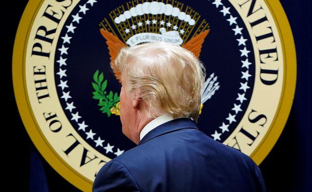Demokrati v stiski iščejo vse mogoče načine za Trumpovo odstranitev iz Bele hiše. Foto: Reuters