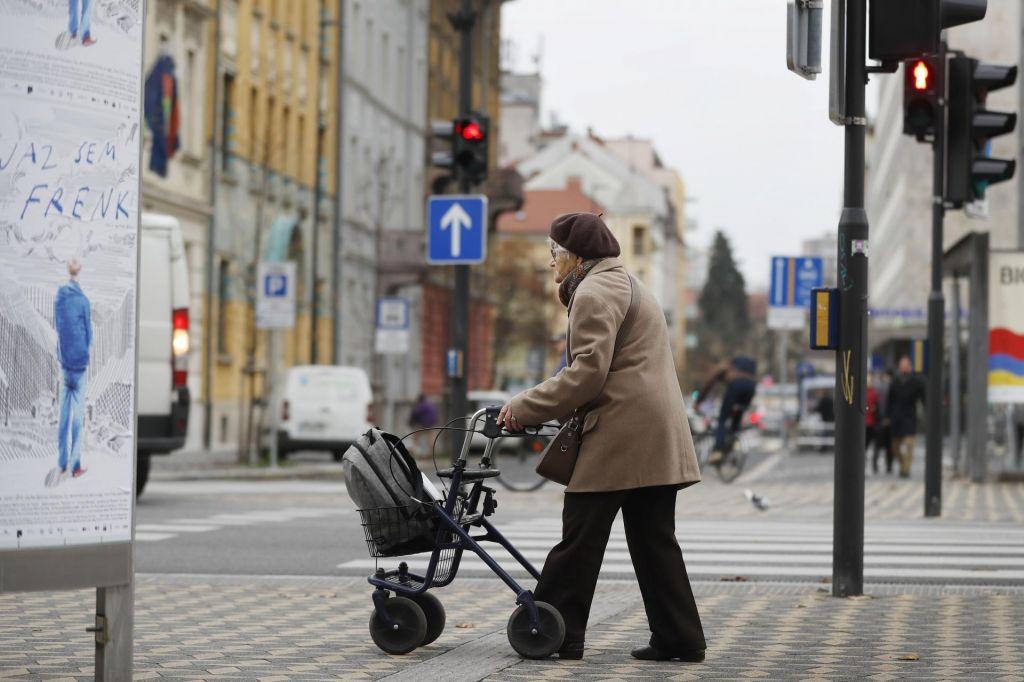 Stanovanjska problematika mladih in starih